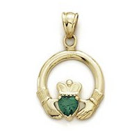 14K Yellow Gold Claddagh Charm w  Synthetic Emerald