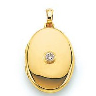18K Yellow Gold   Diamond Oval Locket