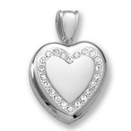 18k Premium Weight White Gold Diamond Heart Wreath Picture Locket