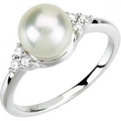 Freshwater Cultured Pearl   Diamond Ring